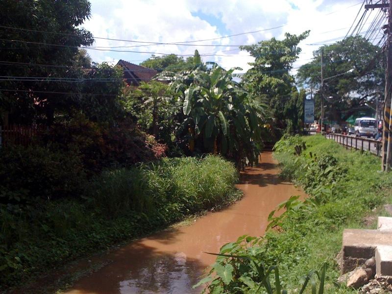 В Чианг Мае много каналов и речушек
