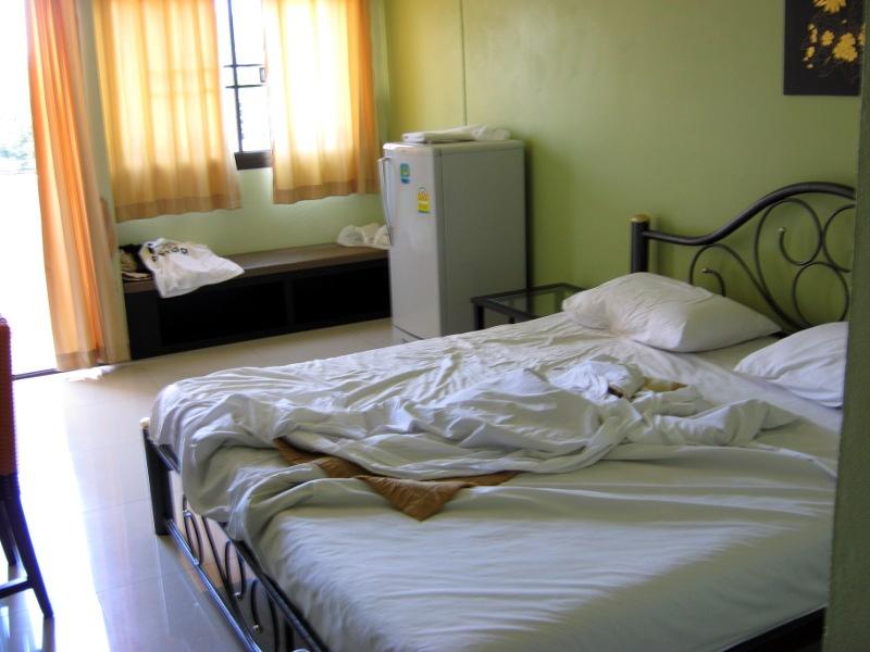 Кровать жестковата