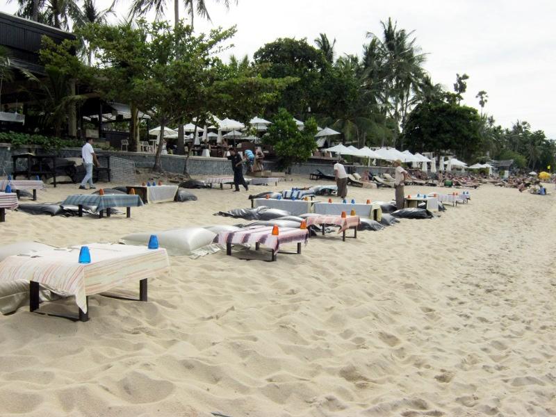 Ресторан на пляже (Бопхут уже)