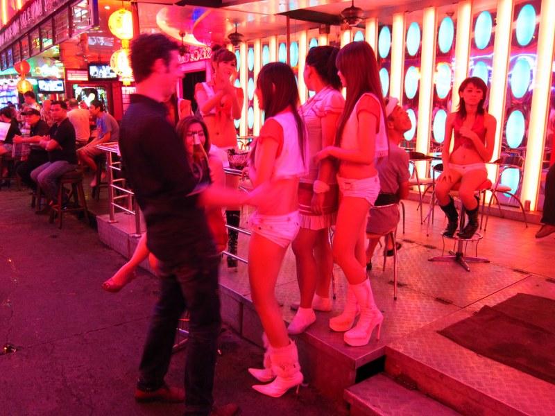 Бангкок улица красных фонарей порно онлайн, элю трахают русское видео